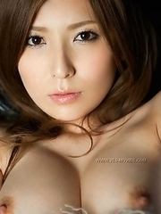 Yuna Shiinai shows some sweet pics with no payments